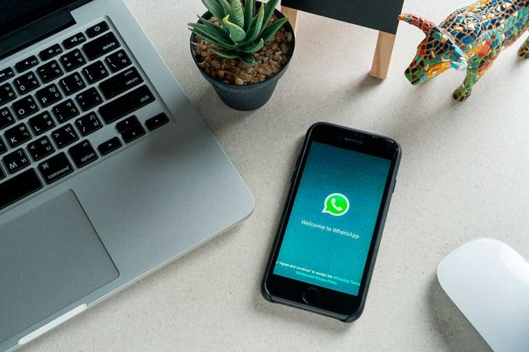 How to Spy on WhatsApp Messages Without a Target Phone with a WhatsApp Tracker?