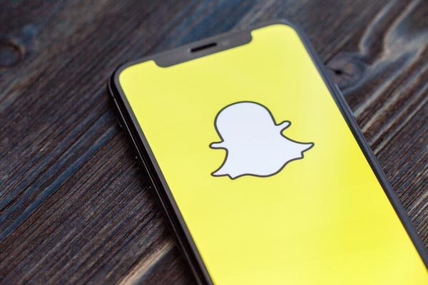 Snapchat Cheating: Bust a Cheater with A Spy App
